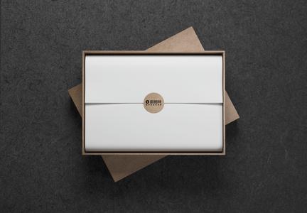 木色礼品盒样机图片