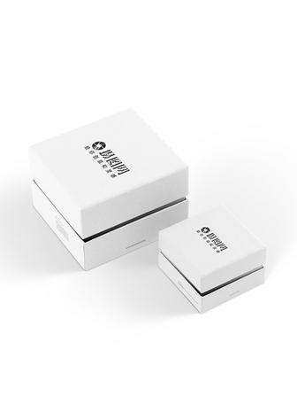白色礼盒包装样机