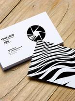 黑白条纹时尚简约商务名片VI样机图片