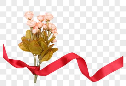 红色丝带与玫瑰花朵图片