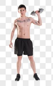 健身男性手举哑铃肌肉塑型图片