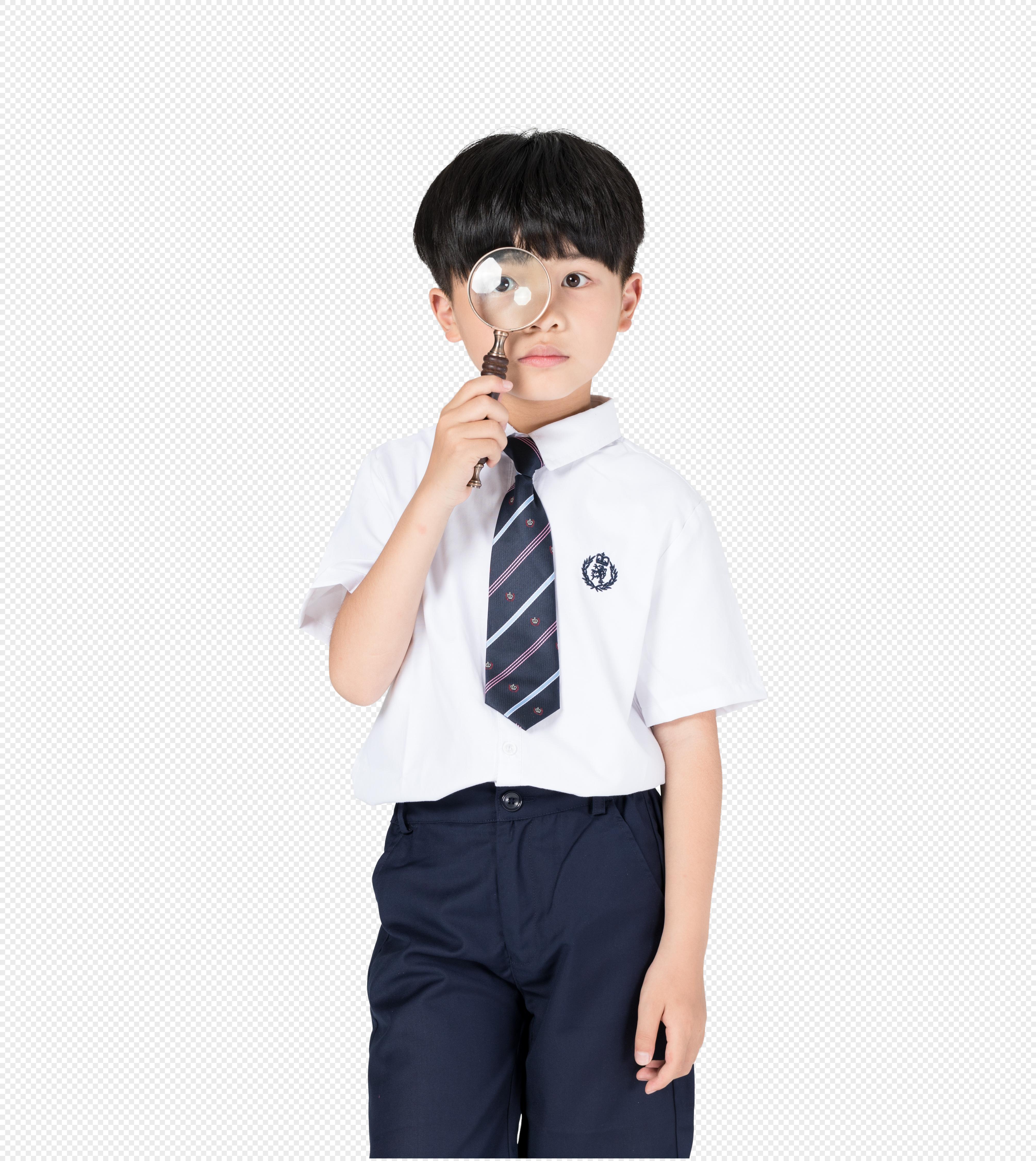 可爱男生拿着放大镜探索学习的小男孩图片图片拿着放大镜探索学习的小