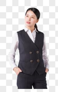 年轻干练的职场女性形象图片