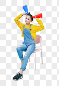 青年女性拿着喇叭可爱动作图片