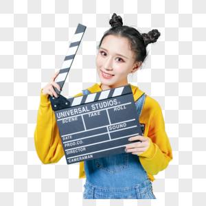 青年女性手持场记板情绪丰富图片