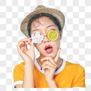 青年活力女性戴着创意眼镜图片