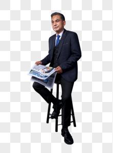 中年商务成功人士手拿报纸图片