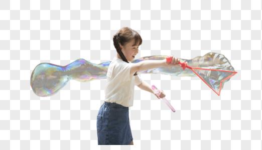 六一儿童节小女孩玩泡泡图片