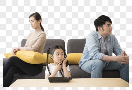 夫妻吵架影响孩子图片
