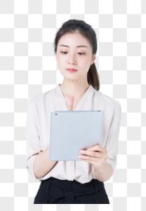 商务女性使用平板电脑图片