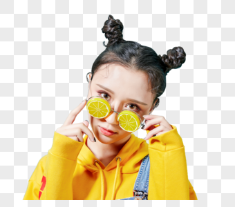 青年时尚女性戴着古怪的眼镜图片