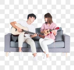 情侣弹琴图片