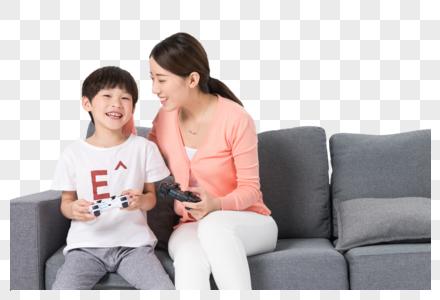 母子打游戏图片