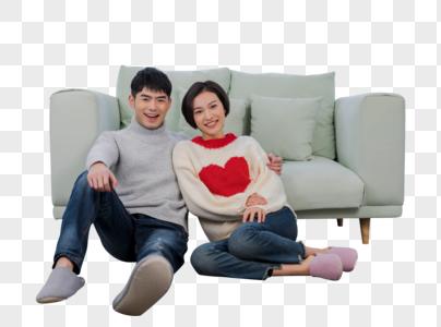 情侣坐在客厅看电视图片