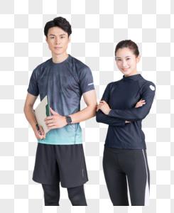 健身教练和年轻女学员健身房合影图片
