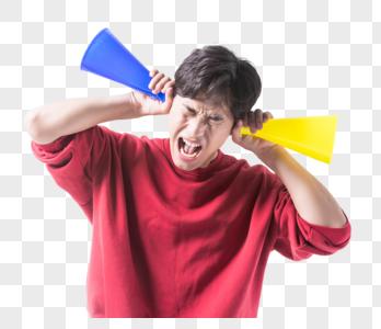 男性加油鼓励呐喊图片