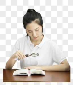 女大学生在学习数学图片