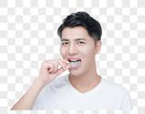男性带牙套图片