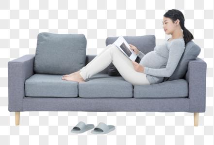 孕妇休闲看书图片