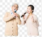 恩爱老年夫妻唱歌图片