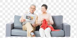 恩爱老年夫妻看报纸图片