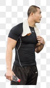 健美男人休息展示肌肉图片