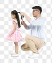 给孩子梳头的父亲图片