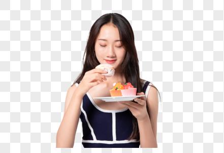 美女吃蛋糕图片