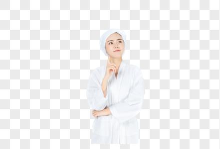 穿浴袍美女思考图片