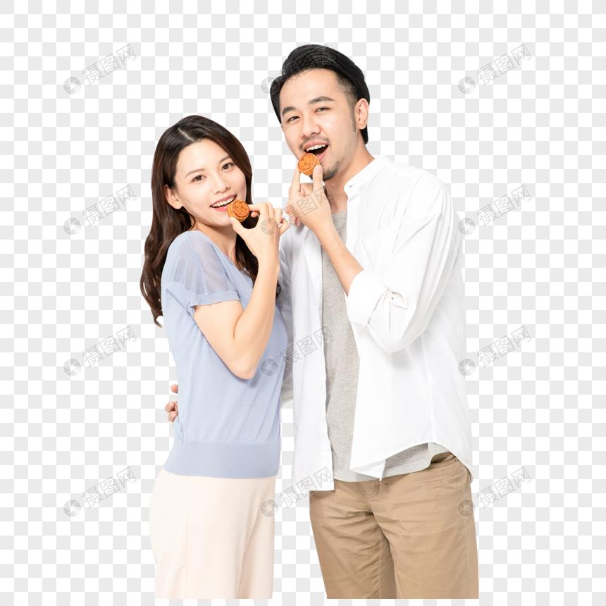 青年夫妻吃月饼图片