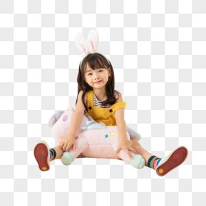 小女孩与毛绒玩具图片