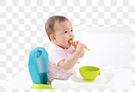 宝宝自己吃饭图片
