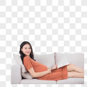 孕妇躺沙发上看书图片