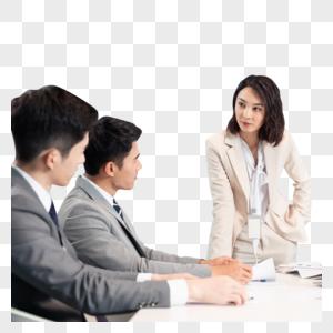 商务团队在会议室商议讨论工作图片