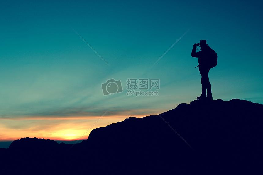 登山运动员旅行剪影图片
