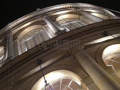 夜晚的歌剧院图片