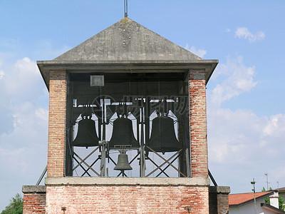 钟楼上的响铃图片