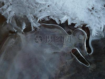 冬天的冰晶体图片