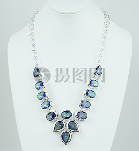 时尚的水晶珠宝图片