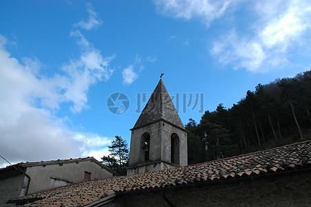 蓝天下的钟楼图片
