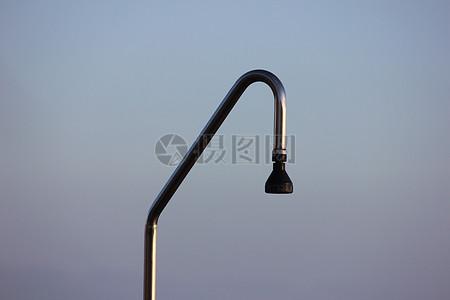 金属制成的淋浴喷嘴图片