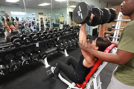 健身房的日常图片
