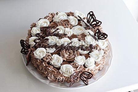 巧克力奶油蛋糕图片