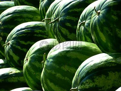 夏季新鲜大西瓜图片