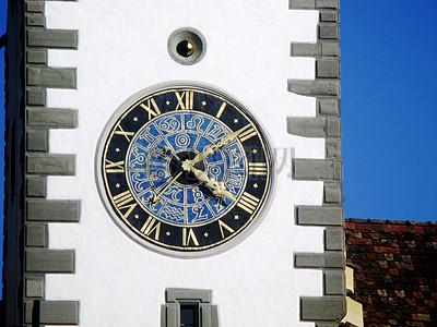 旧城北门的钟楼图片