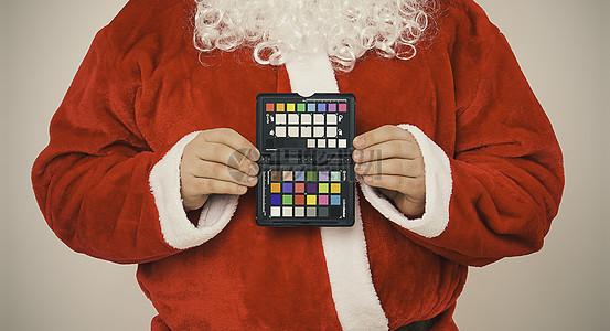 圣诞老人手中的眼影图片