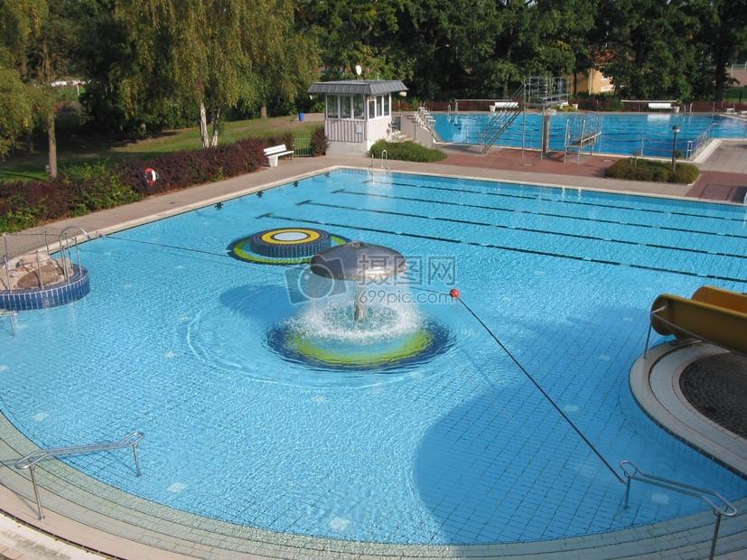 唯美图片 自然风景 私人游泳池场地jpg  分享: qq好友 微信朋友圈 qq