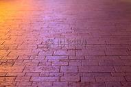 夕阳下的行人路图片