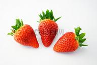 健康成熟甜草莓图片
