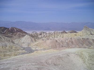 一片无际的荒漠图片